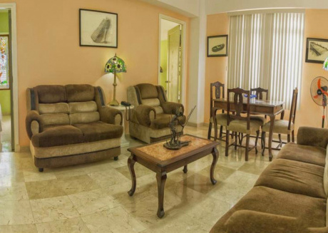 Spacious apartment in the center of Havana with Air conditioning