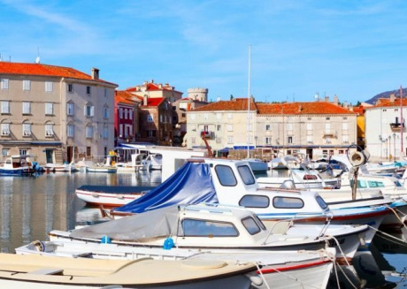 Cozy apartment in the center of Novigrad with Internet, Air conditioning, Balcony