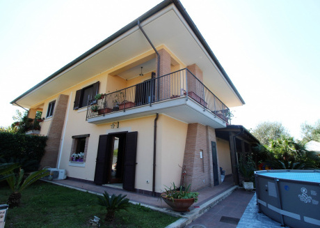 Cozy villa close to the center of Minturno with Parking, Internet, Washing machine, Air conditioning