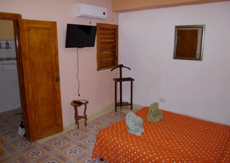 Cozy apartment in the center of Havana with Air conditioning