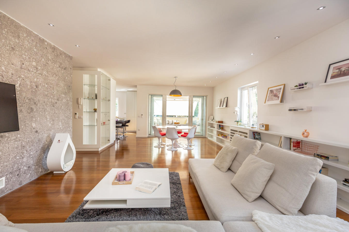 Spacious apartment in Dubrovnik with Parking, I... Slide-1