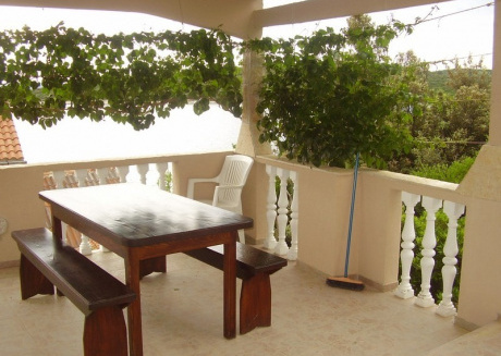 Cozy country house in Tkon with Parking, Terrace