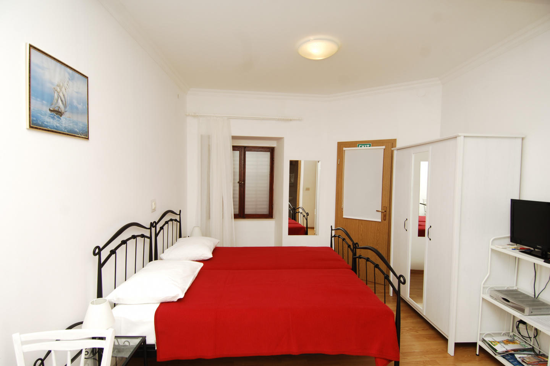 Studio apartment for 2 Slide-3
