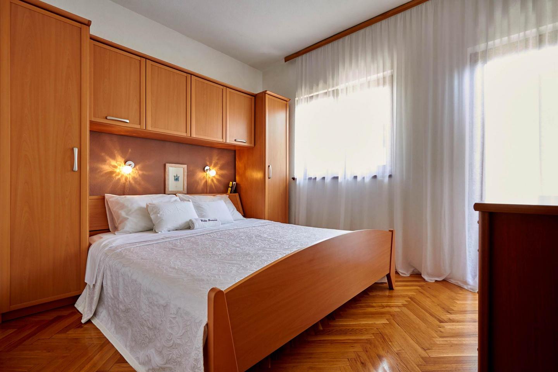 Villa Ivana With Pool In Split Town Slide-2