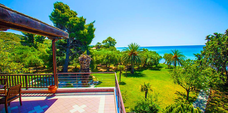 Malt BeachFront Villa, Mola Kalyva Slide-2