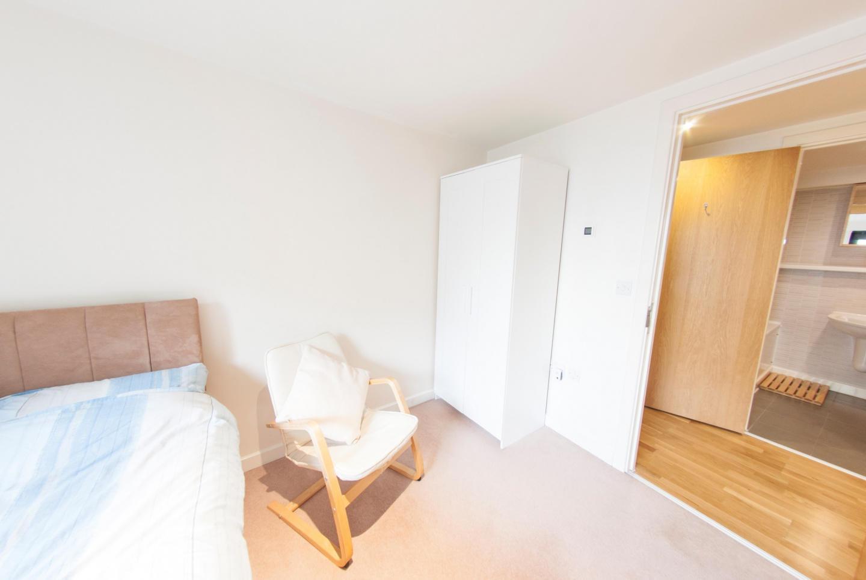Modern Apartment in Bermondsey Street Village c... Slide-12