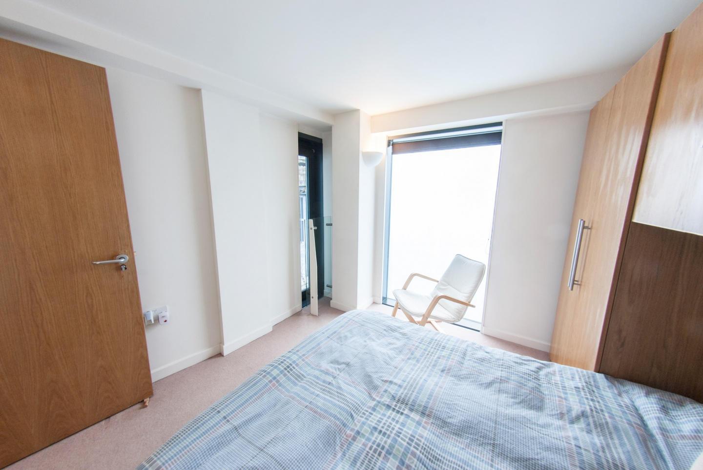 Modern Apartment in Bermondsey Street Village c... Slide-11