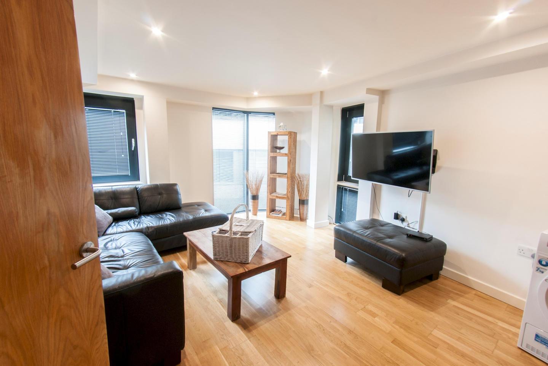 Modern Apartment in Bermondsey Street Village c... Slide-1