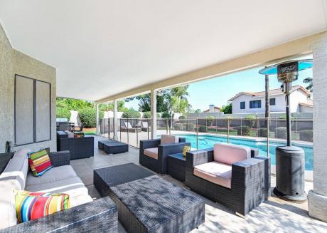Scottsdale Serenity ☆ Pool ☆ 5Bd Sleeps 14