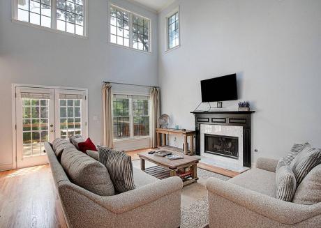 Atlanta At Last ★ Luxury Home w/Terrace ★ 5bd 5ba