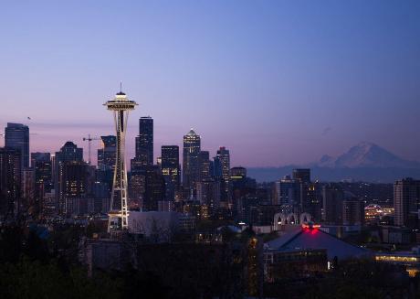 Sweet Seattle Retreat ★ 3 Apts ★ 7 Bd ★ Sleeps 20!