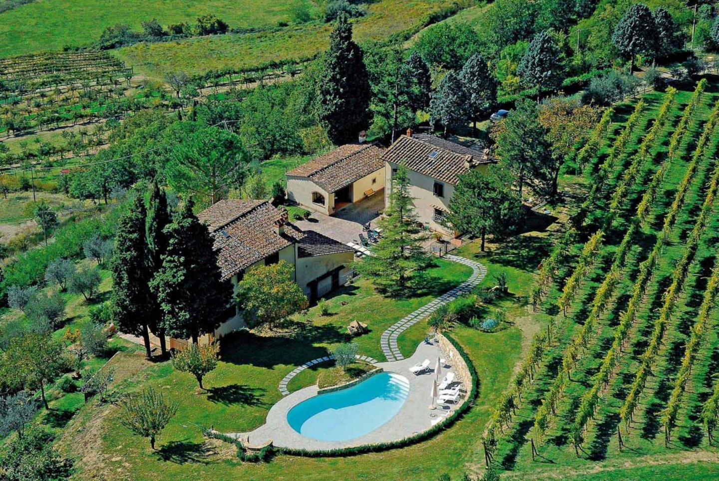 Spacious country house in Dicomano with Parking... Slide-1