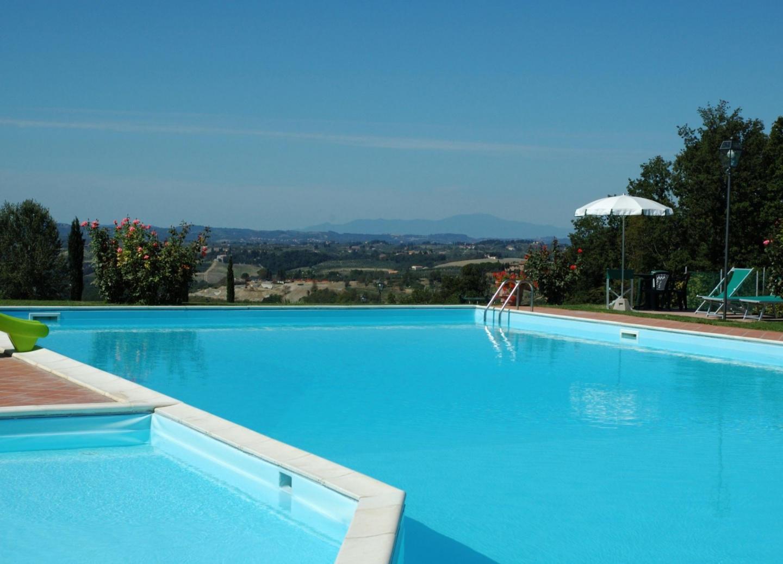 Spacious apartment in Montespertoli with Parkin... Slide-1