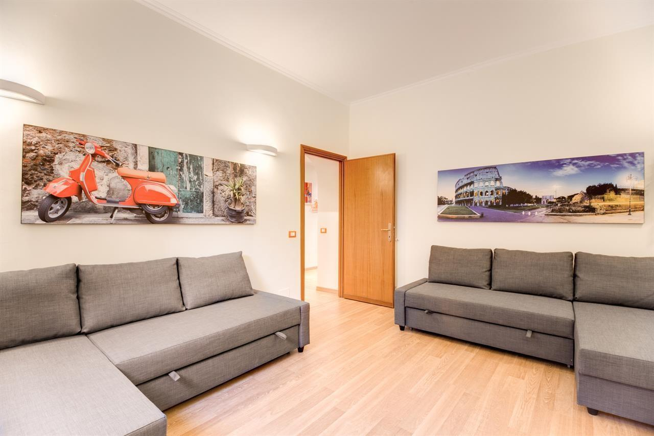Spacious apartment in Rome with Internet, Washi... Slide-1