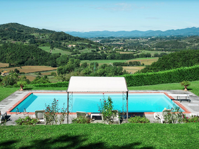 Spacious villa in Dicomano with Parking, Intern... Slide-2