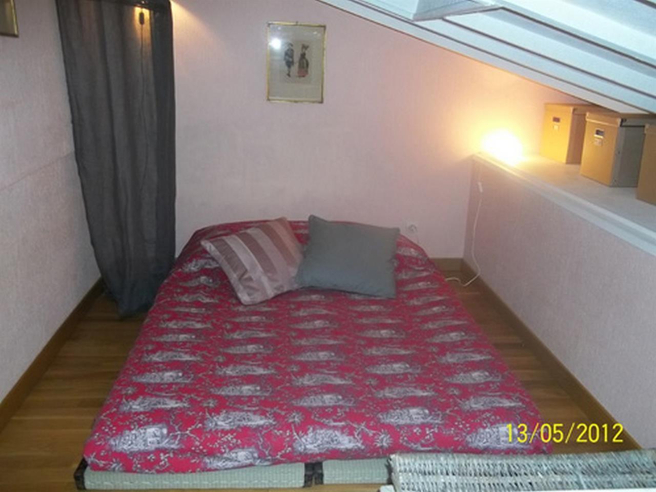Cozy apartment in Paris with Internet Slide-1