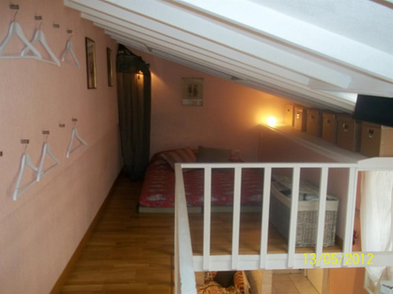 Cozy apartment in Paris with Internet Slide-2