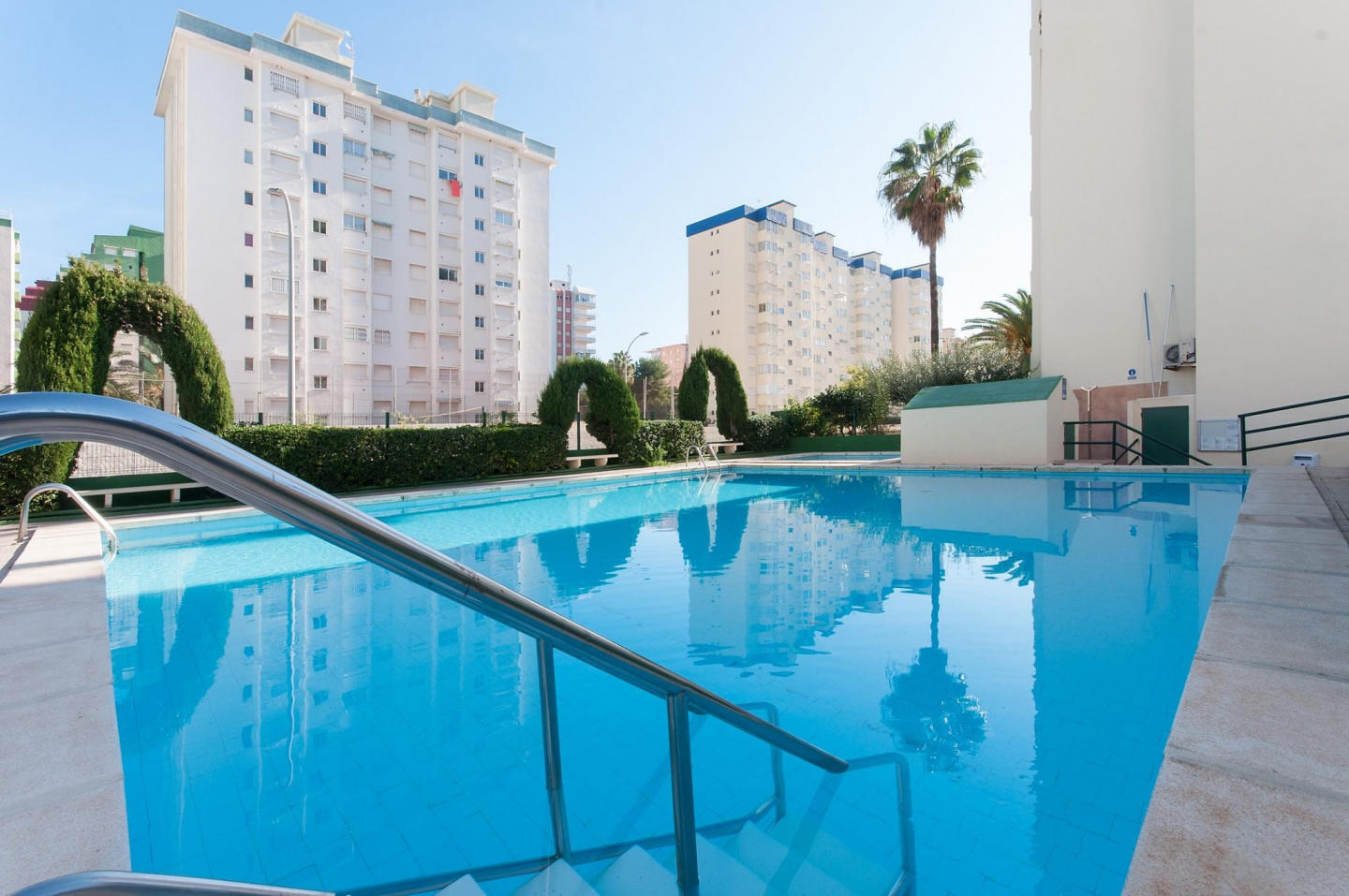 Spacious apartment in the center of Grau i Plat... Slide-1