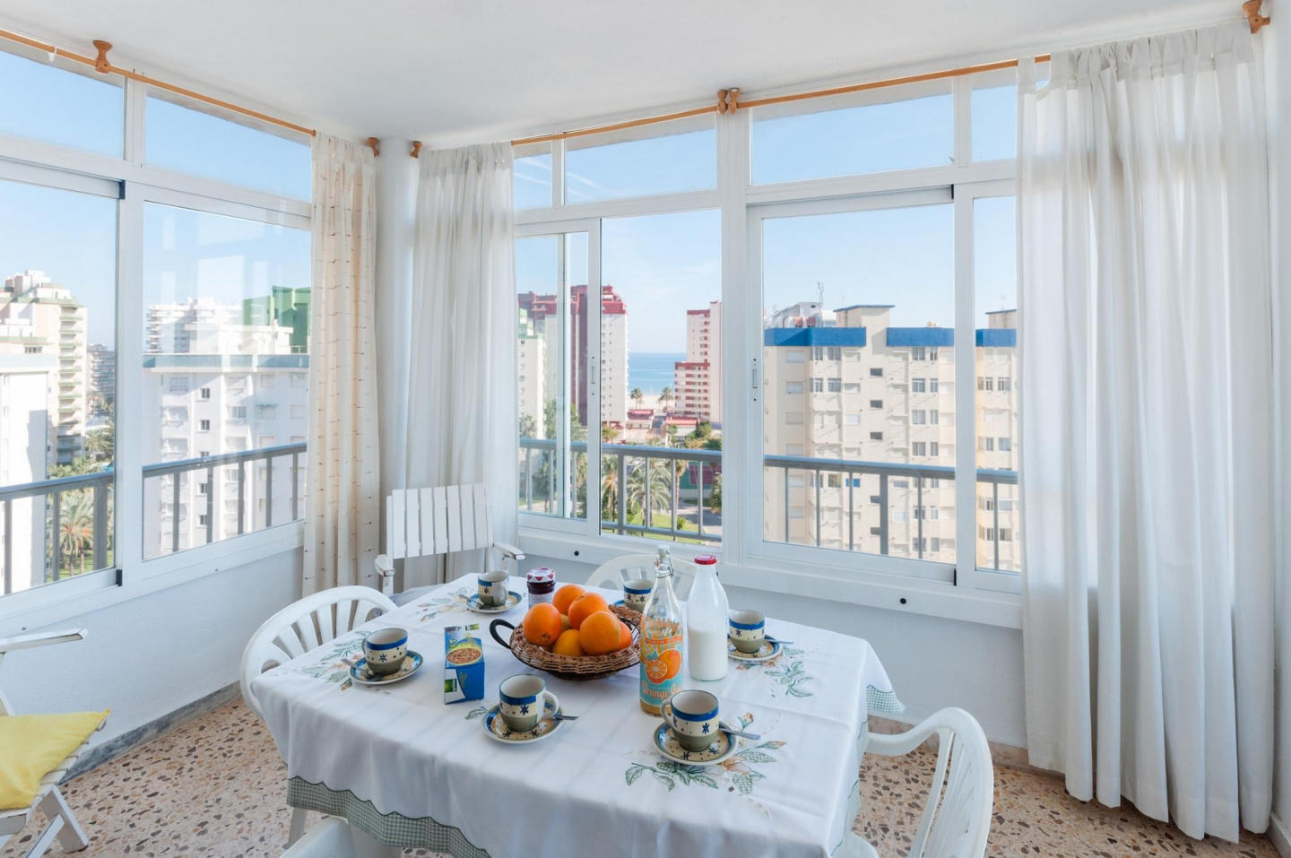Spacious apartment in the center of Grau i Plat... Slide-3