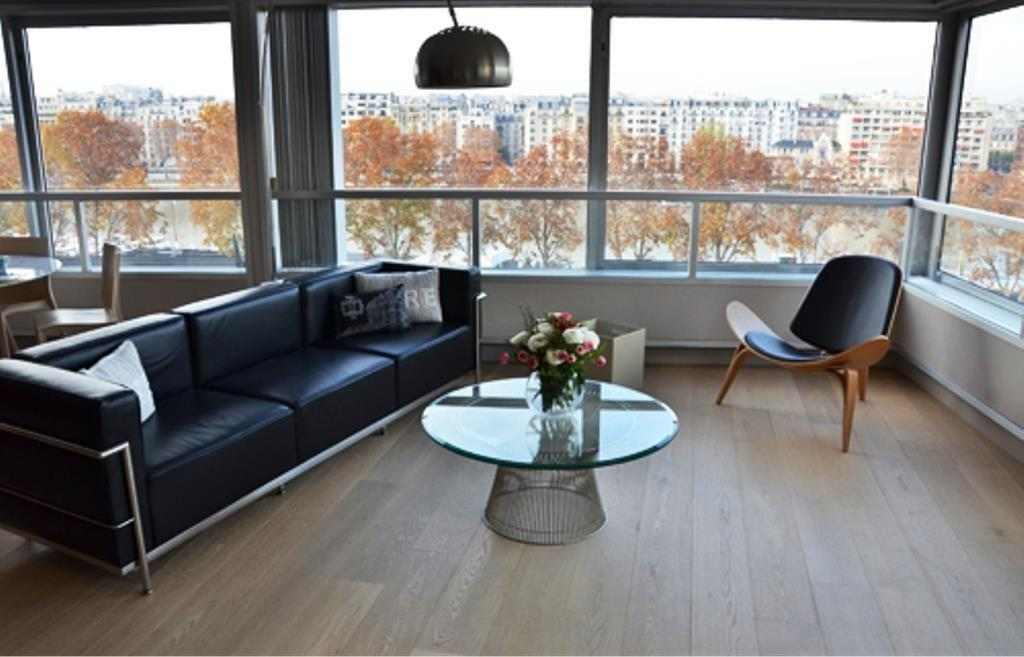 Spacious apartment in Paris with Lift, Parking,... Slide-1