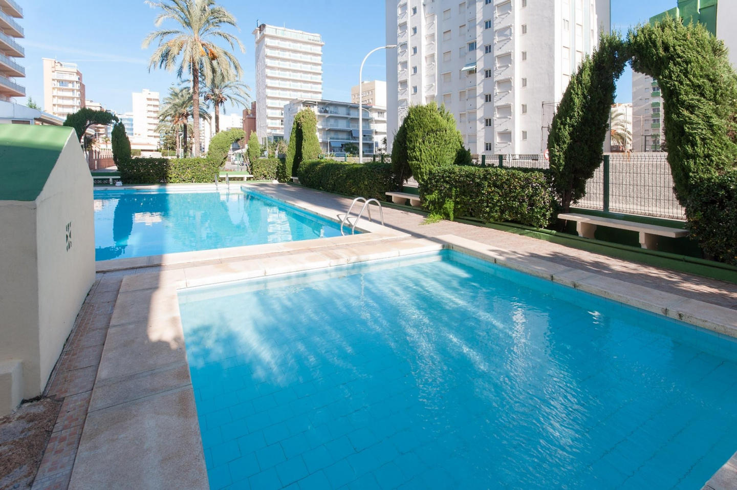 Spacious apartment in the center of Grau i Plat... Slide-2