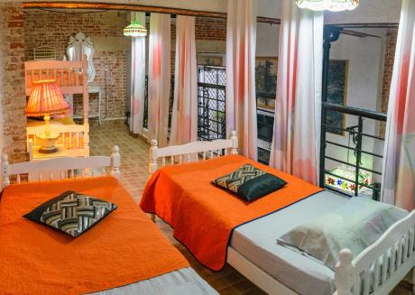 Spacious apartment in the center of Havana