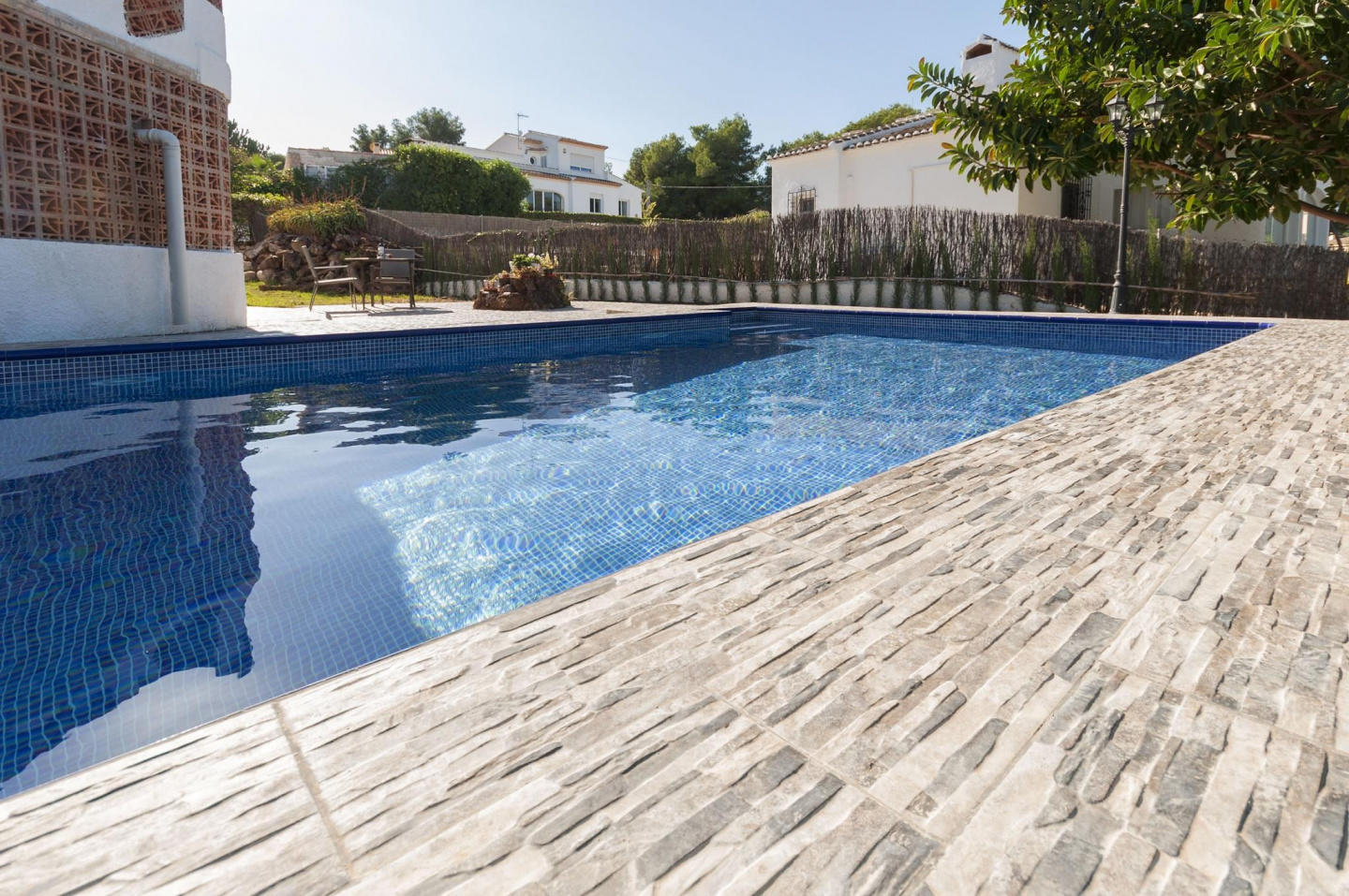 Spacious villa in the center of El Tosalet with... Slide-3