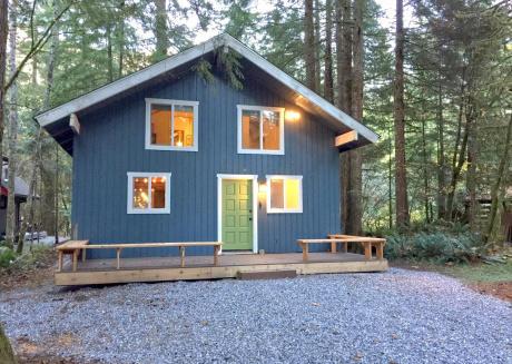 Cabin #66- Hot Tub, Wifi, 3+ Bedrooms, SLEEPS-10
