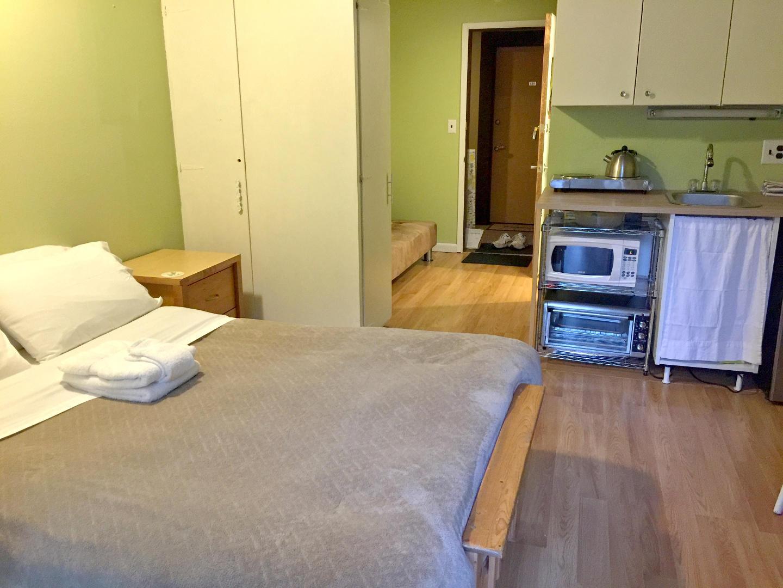 Bed & Kitchenette Slide-1