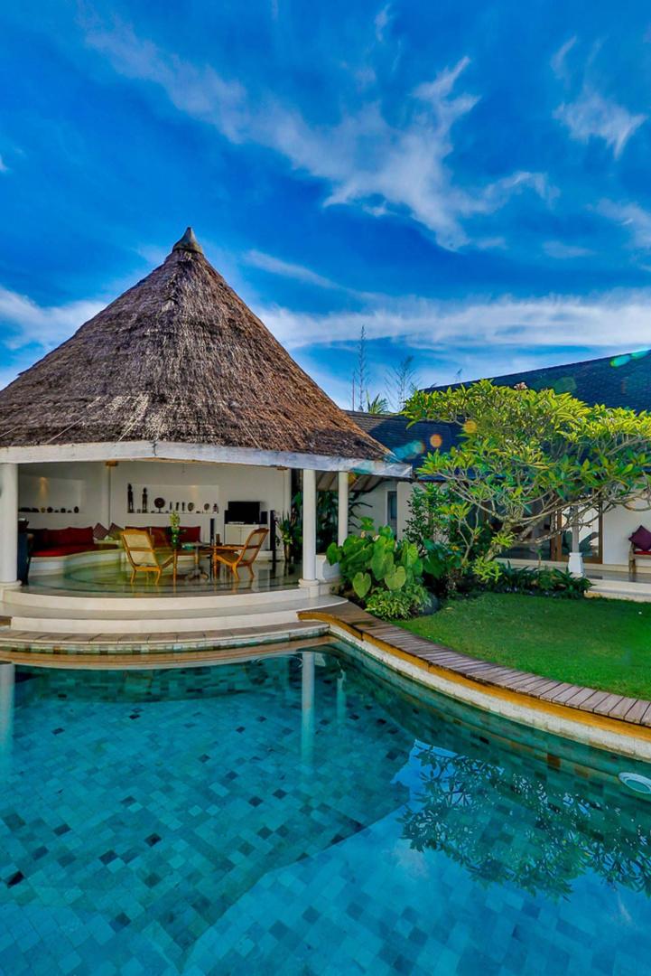Villa Damai Kecil Seminyak Slide-4