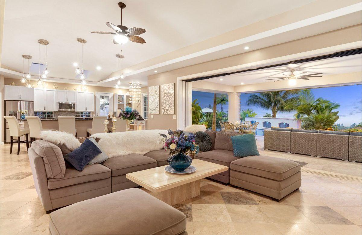 Kona Bubbles: Pristine Luxury 4 bedroom Home wi... Slide-3