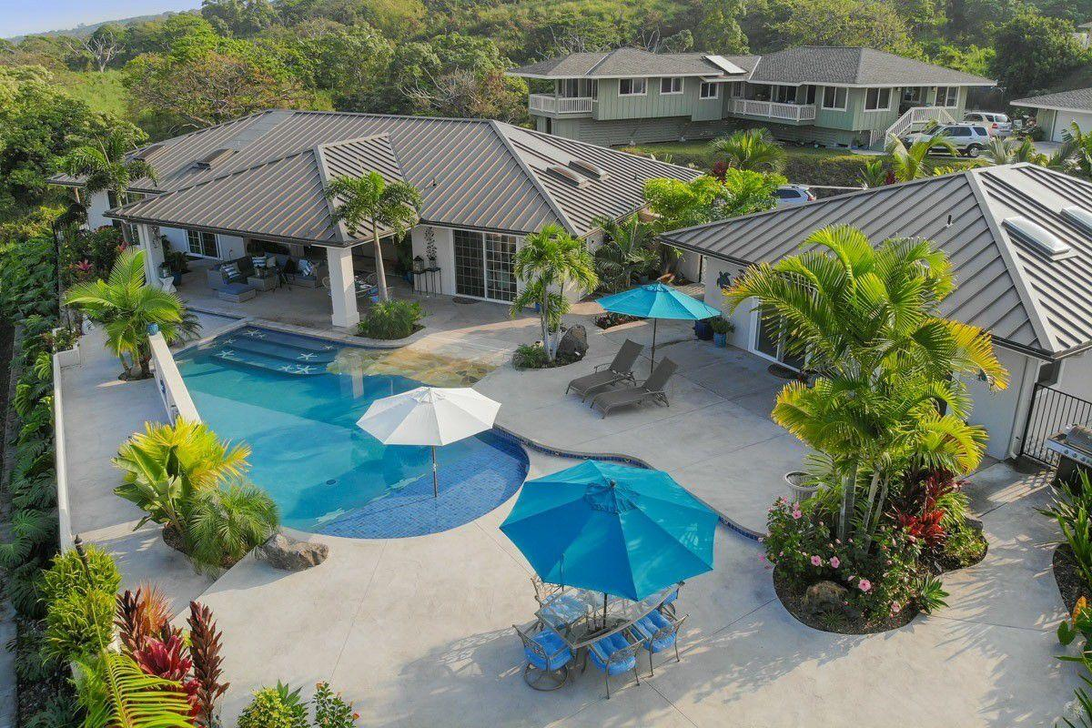 Kona Bubbles: Pristine Luxury 4 bedroom Home wi... Slide-2