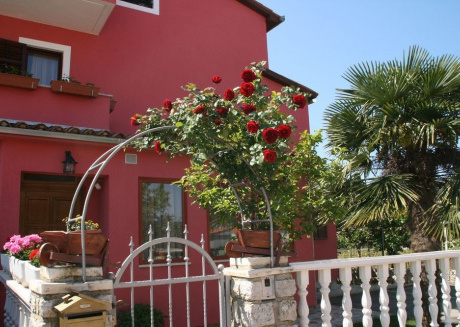 Spacious apartment in the center of Vrvari with Parking, Internet, Air conditioning, Balcony
