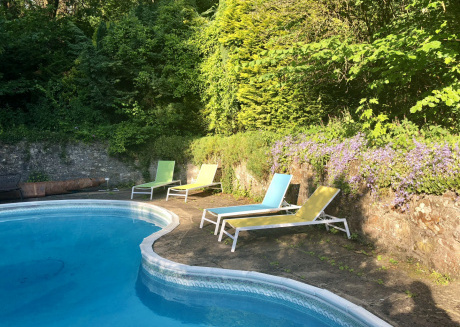 large house near Bath with swimming pool