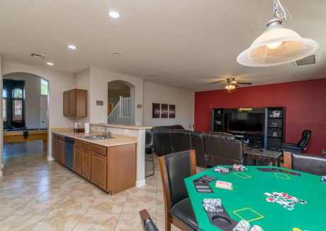 Spacious house in Glendale with Parking, Internet, Washing machine, Air conditioning
