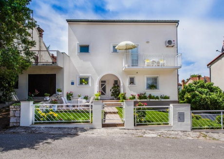 Cozy apartment close to the center of Rovinj with Parking, Internet, Air conditioning