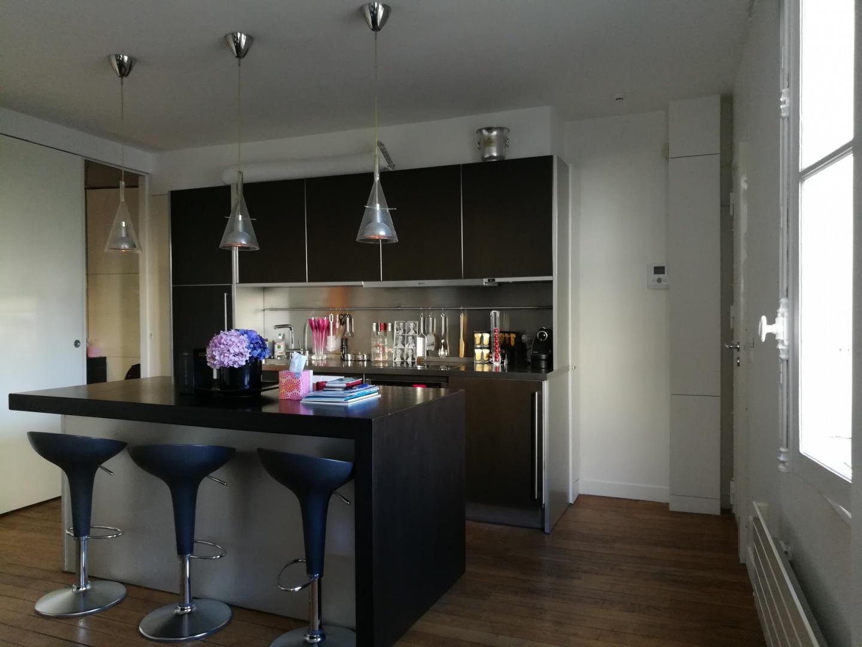 Cozy apartment very close to the centre of Pari... Slide-2