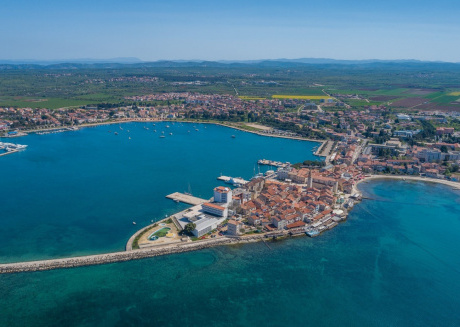 Spacious apartment in the center of Umag with Parking, Internet, Washing machine, Air conditioning