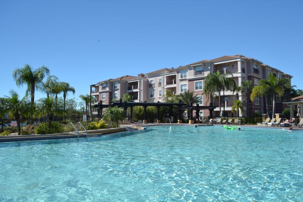 Vista Cay 3 Bed 2 Bath WOW Steps to Pool LOOK Slide-1
