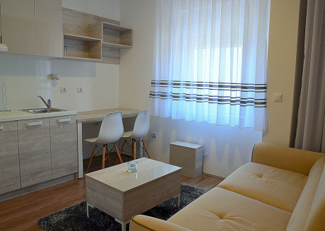 Cozy apartment in with Parking, Internet, Air conditioning, Balcony
