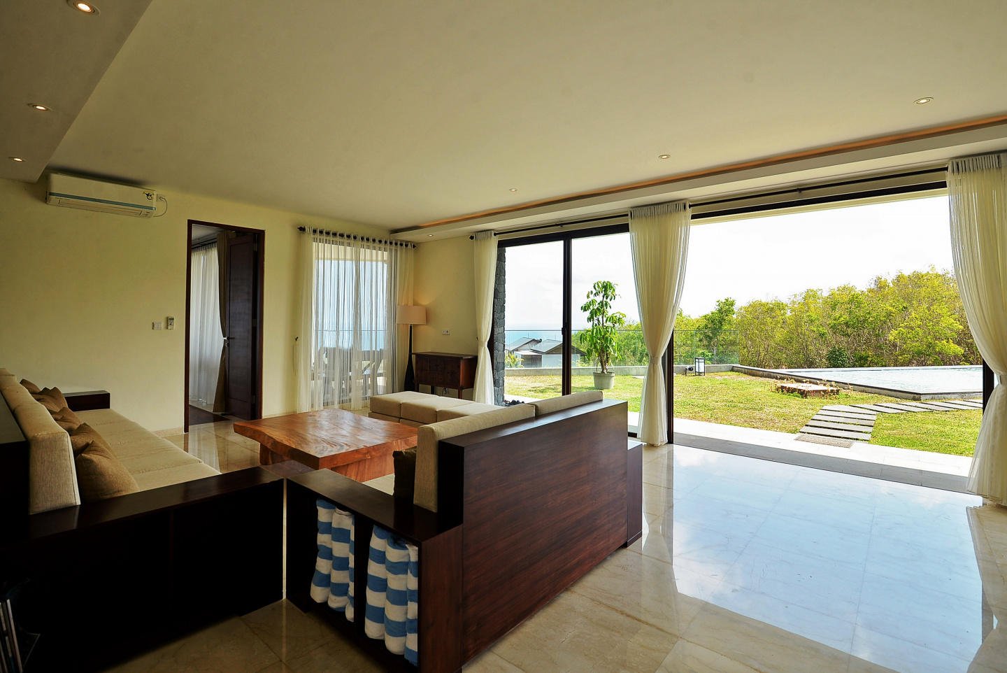 Cozy house in South Kuta with Internet, Pool, B... Slide-2