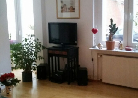 Spacious apartment close to the center of Hanover with Parking, Internet, Balcony