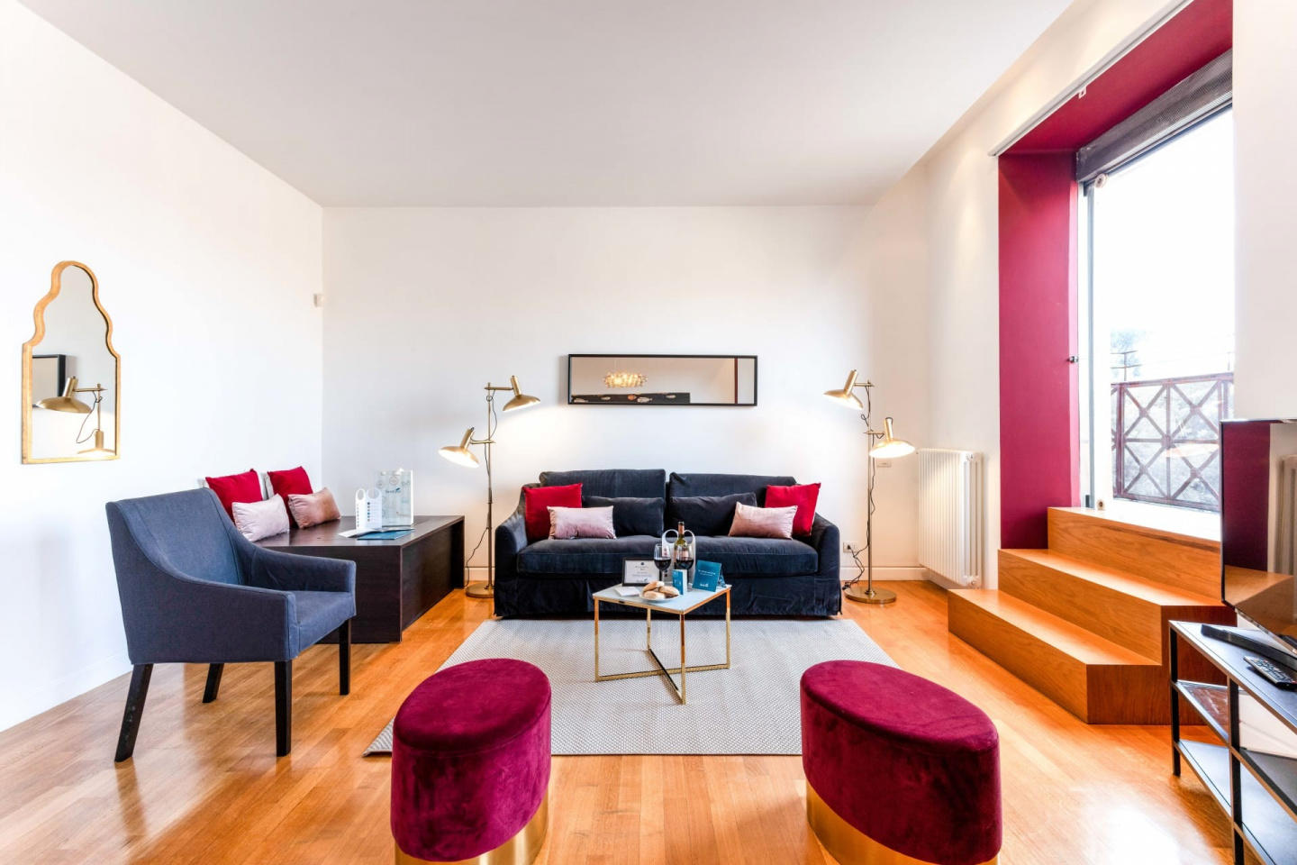 Spacious apartment close to the center of Rome ... Slide-1