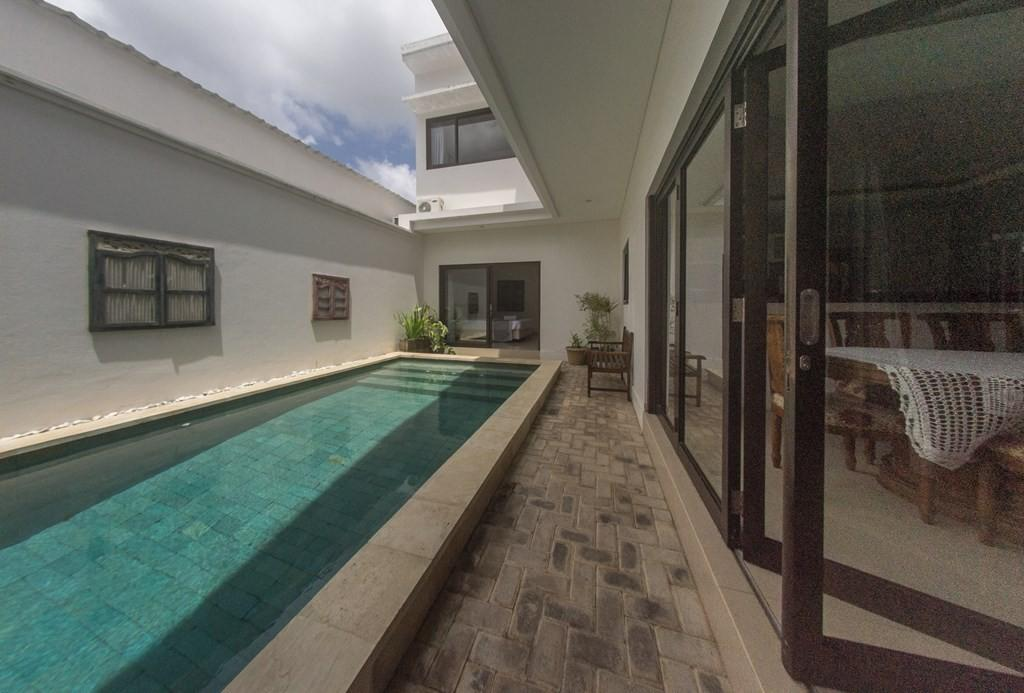 Spacious house in South Kuta with Internet, Air... Slide-1