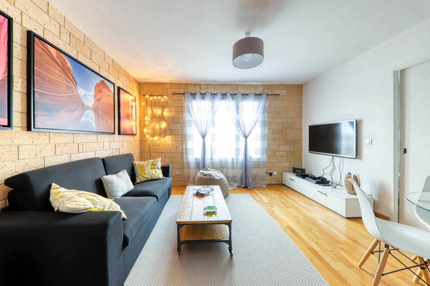 Cozy apartment in the center of Bailly-Romainvi... Slide-1