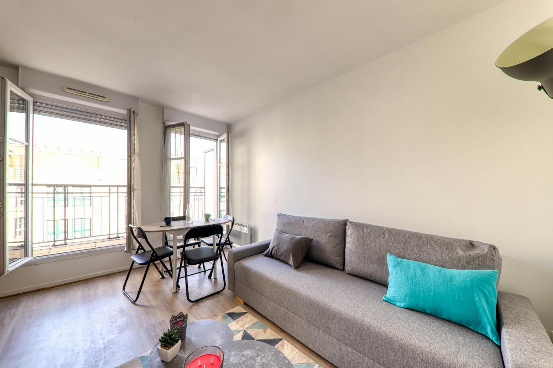 Cozy apartment very close to the centre of Serr... Slide-2
