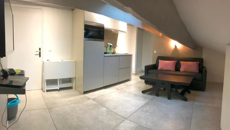 Cozy apartment close to the center of Marseille... Slide-1