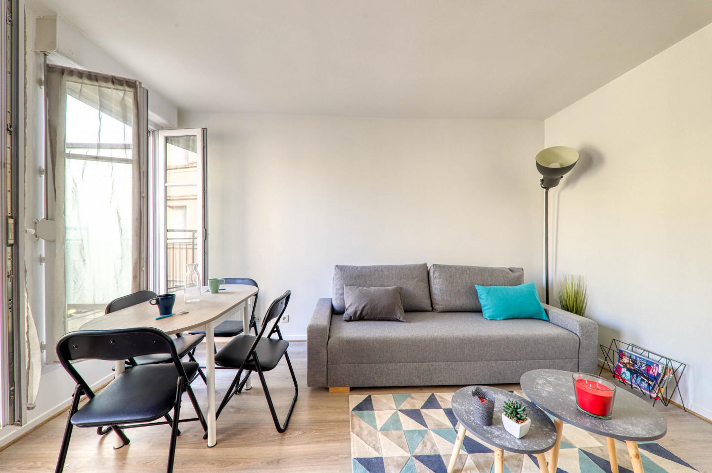 Cozy apartment very close to the centre of Serr... Slide-1