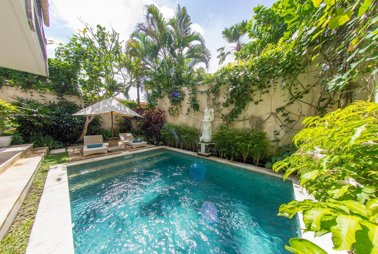 Spacious house in South Kuta with Parking, Inte... Slide-1