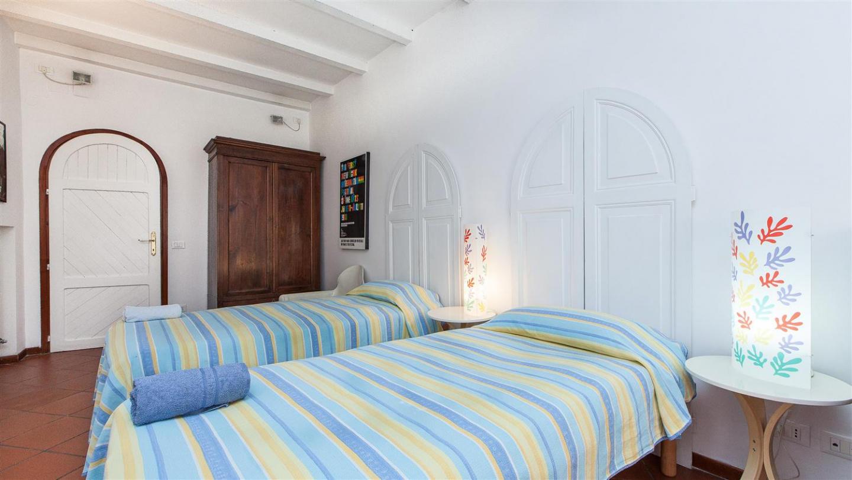 Sampieri Palace Apartment 406 Slide-2